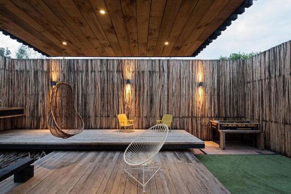 Thiết kế nhà phố bằng gỗ độc đáo với hai khối hộp chữ nhật chéo nhau tại Chile - ảnh 10