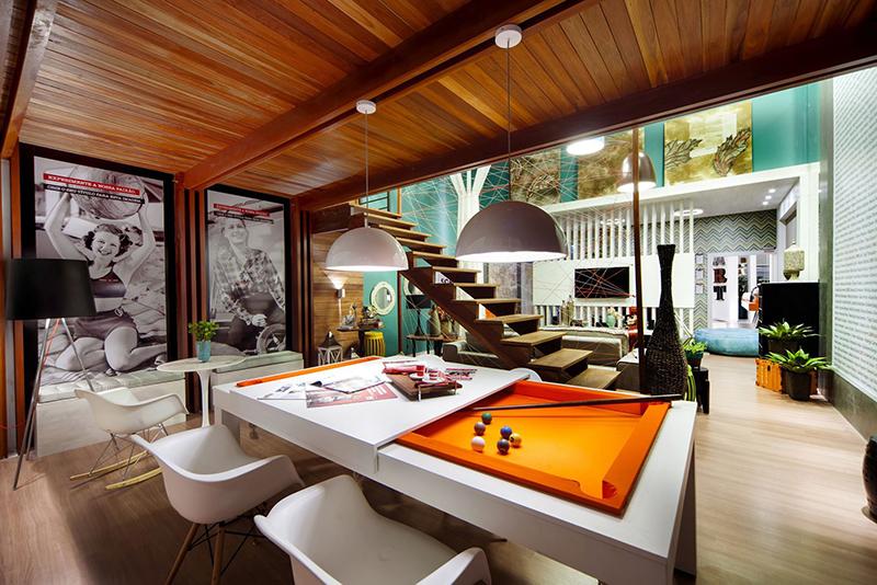 Sự kết hợp màu sắc tinh tế tạo nên thiết kế nhà phố sang trọng